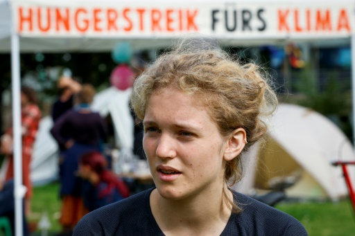 Visuel Des jeunes entament une grève de la faim pour le climat
